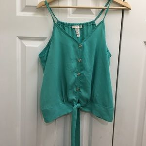 Women's AGACI button tank top in solid green